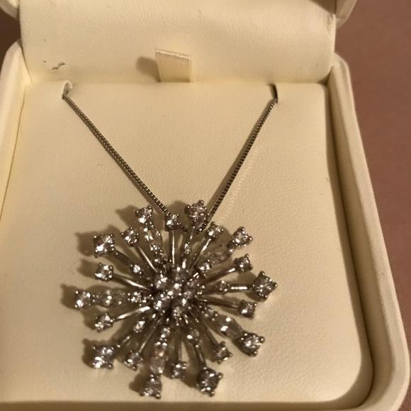 37362b87ef Jared snowflake Swarovski crystal necklace. Swarovski.  M_5b3bf9110cb5aa4b61da0739. M_5b3bf9123e0caa73295e87fa.  M_5b3bf9130cb5aad7beda0745